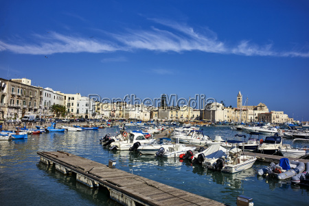 el puerto de trani apuliaitaliamediterraneoeuropa