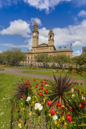 paisley town hall and gardens at
